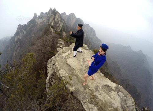 Tiếp viên hàng không lên núi học võ luyện can đảm - 3