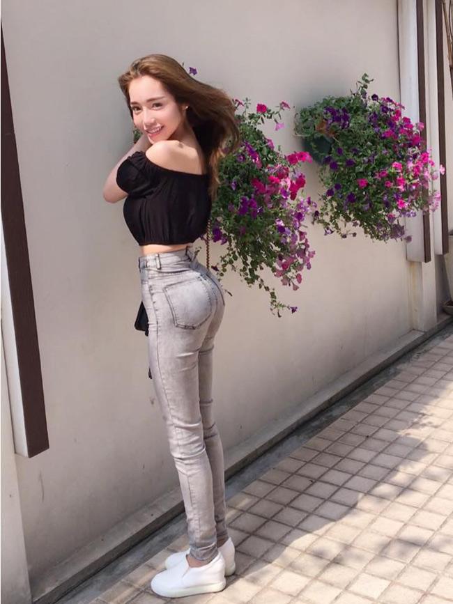 Những hình ảnh mới nhất Elly Trần đăng tải trên Facebook cá nhân đang thu hút hàng nghìn lượt like (thích) và hàng trăm bình luận khen ngợi.