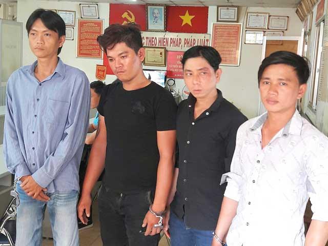 Bắt nhóm cướp chuyên dàn cảnh tai nạn ở TPHCM - 1