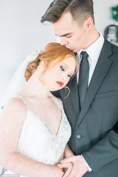 Nghẹn ngào đám cưới cổ tích của cô gái bị bệnh Down - 1