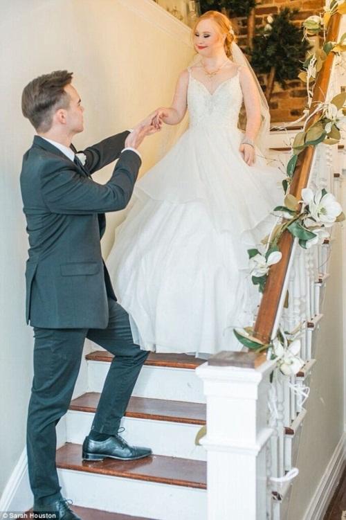 Nghẹn ngào đám cưới cổ tích của cô gái bị bệnh Down - 3