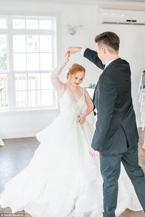 Nghẹn ngào đám cưới cổ tích của cô gái bị bệnh Down - 4