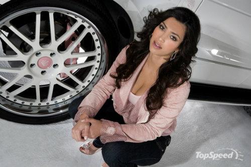 Ngắm dàn siêu xe của siêu vòng 3 Kim Kardashian - 4