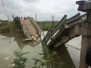 Tin tức Việt Nam - Hà Tĩnh: Phà chở cát đâm sập cầu rồi chìm nghỉm
