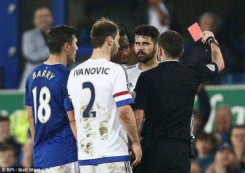 Hiddink rủ Costa đi xem phim để hạ hỏa vụ cắn người - 3