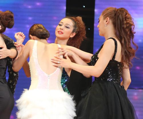 """Khánh My ngất xỉu tại """"Bước nhảy hoàn vũ"""" - 2"""