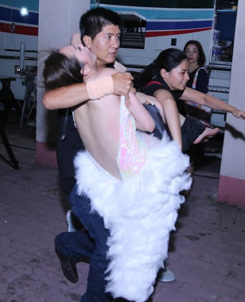 """Khánh My ngất xỉu tại """"Bước nhảy hoàn vũ"""" - 8"""
