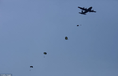 Ảnh: Mỹ - Hàn tập trận đổ bộ lớn chưa từng thấy - 4