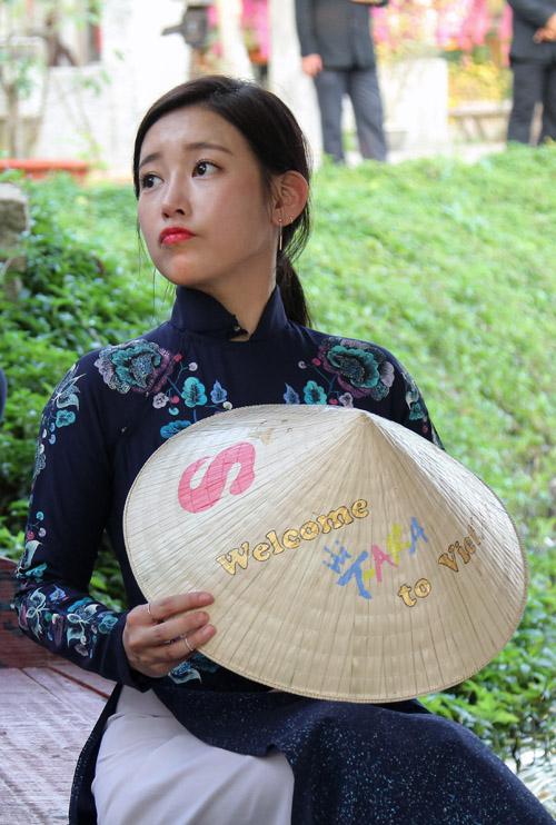 T-ara đẹp hút hồn khi diện áo dài ở Việt Nam - 1