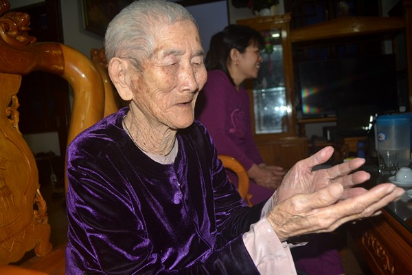 """Cuộc sống của cụ bà 107 tuổi """"30 năm chưa biết đến viên thuốc"""" - 10"""