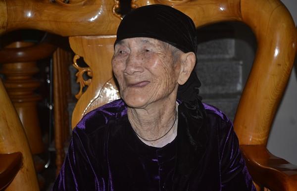 """Cuộc sống của cụ bà 107 tuổi """"30 năm chưa biết đến viên thuốc"""" - 7"""