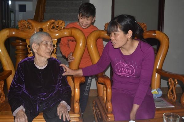 """Cuộc sống của cụ bà 107 tuổi """"30 năm chưa biết đến viên thuốc"""" - 9"""