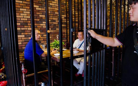 """Những nhà hàng """"trố mắt mà ăn"""" ở Trung Quốc - 8"""