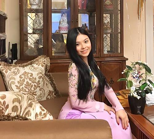 Sinh nhật Hoàng Thiên bạn gái xinh tặng quà bí mật - 1