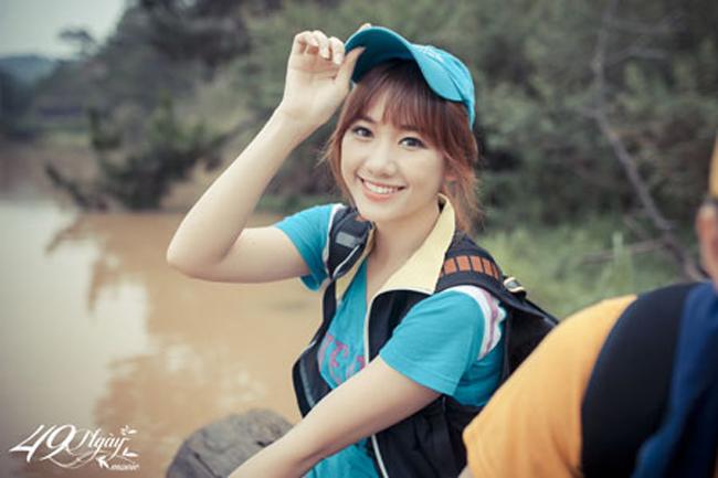 Hari Won nổi tiếng ở Việt Nam kể từ sau khi tham gia Cuộc đua kỳ thú cùng bạn trai cũ là Tiến Đạt. Hiện tại, tên tuổi của cô càng được chú ý khi công khai chuyện tình cảm với danh hài Trấn Thành. Cùng nhìn lại những hình ảnh của Hari Won từ nhỏ tới hiện tại.