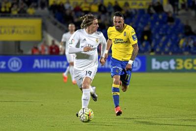 Chi tiết Las Palmas - Real Madrid: 2 bàn thắng, 1 thẻ đỏ (KT) - 6