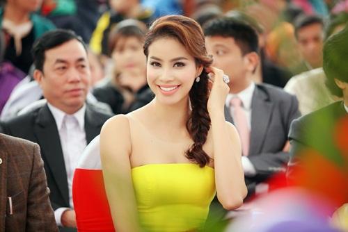 Phạm Hương xinh đẹp rạng ngời nhờ tăng cân đúng ý - 1