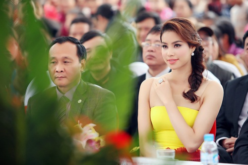 Phạm Hương xinh đẹp rạng ngời nhờ tăng cân đúng ý - 5