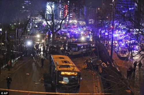 Hiện trường vụ đánh bom thảm khốc ở Thổ Nhĩ Kỳ - 1