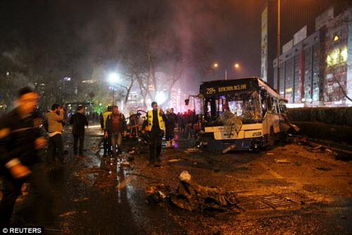 Hiện trường vụ đánh bom thảm khốc ở Thổ Nhĩ Kỳ - 3