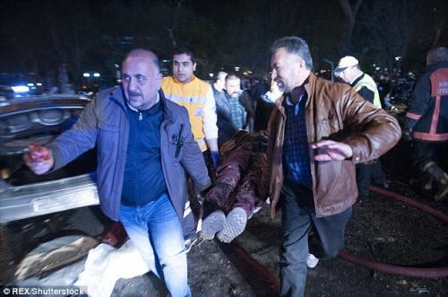 Hiện trường vụ đánh bom thảm khốc ở Thổ Nhĩ Kỳ - 8