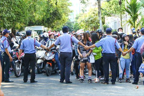 Fan Việt rượt đuổi T-ara khiến đường phố tắc nghẽn - 4