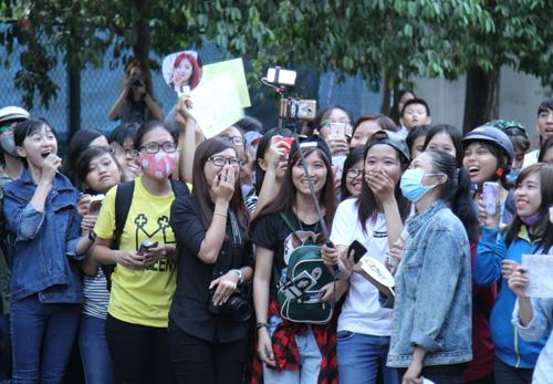 Fan Việt rượt đuổi T-ara khiến đường phố tắc nghẽn - 11