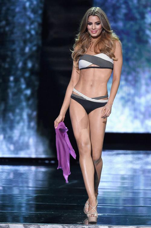 """Hoa hậu """"hụt"""" được bầu là mỹ nhân sexy nhất hành tinh - 2"""