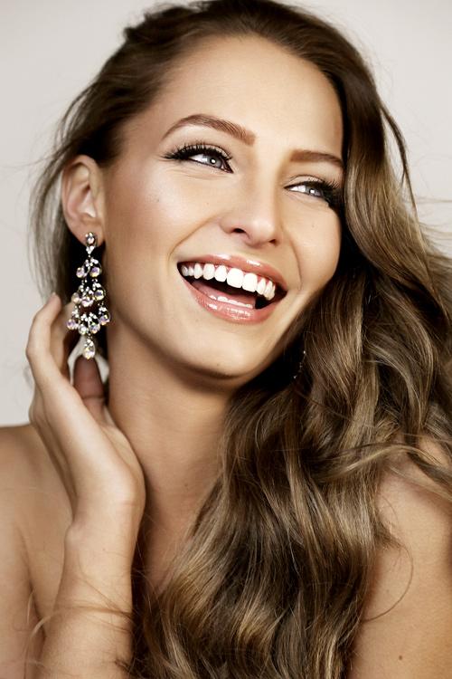 """Hoa hậu """"hụt"""" được bầu là mỹ nhân sexy nhất hành tinh - 7"""