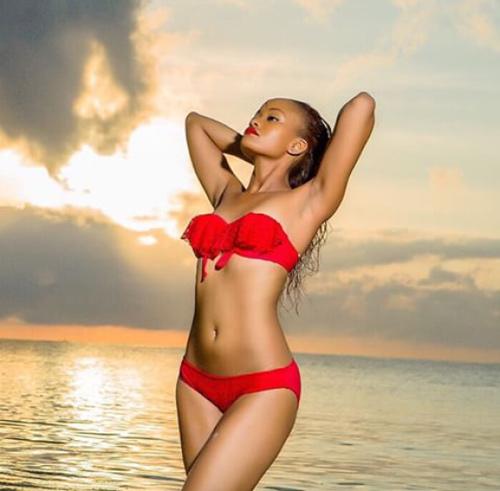 """Hoa hậu """"hụt"""" được bầu là mỹ nhân sexy nhất hành tinh - 13"""