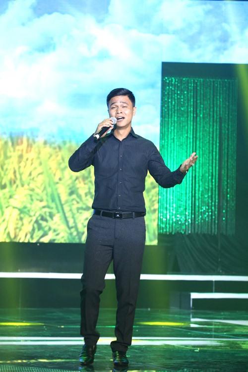 """Chàng trai bán heo quay """"gây bão"""" cuộc thi hát karaoke - 2"""