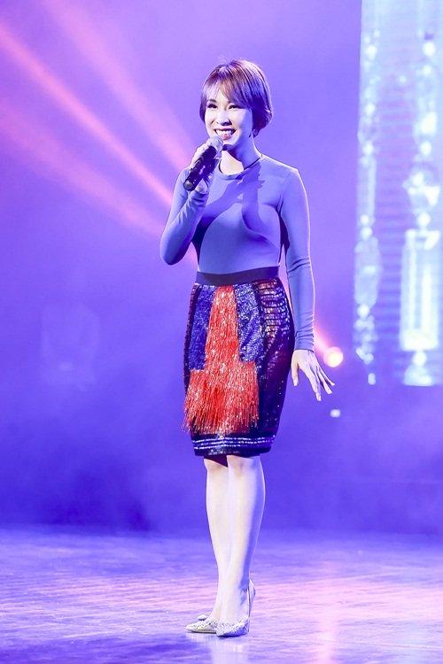 Dương Yến Ngọc diện váy sequin lộng lẫy khoe đường cong - 8