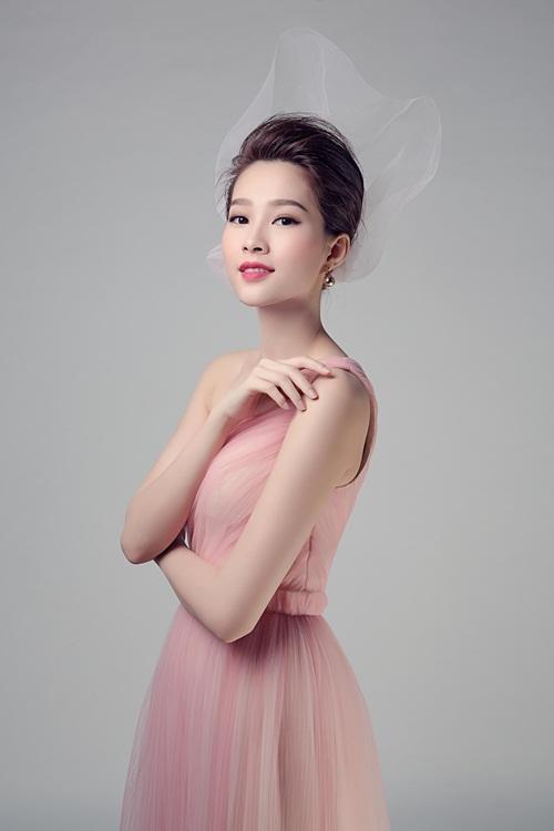 """Hoa hậu Thu Thảo đẹp rạng ngời """"không góc chết"""" - 3"""