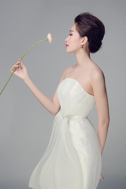"""Hoa hậu Thu Thảo đẹp rạng ngời """"không góc chết"""" - 6"""
