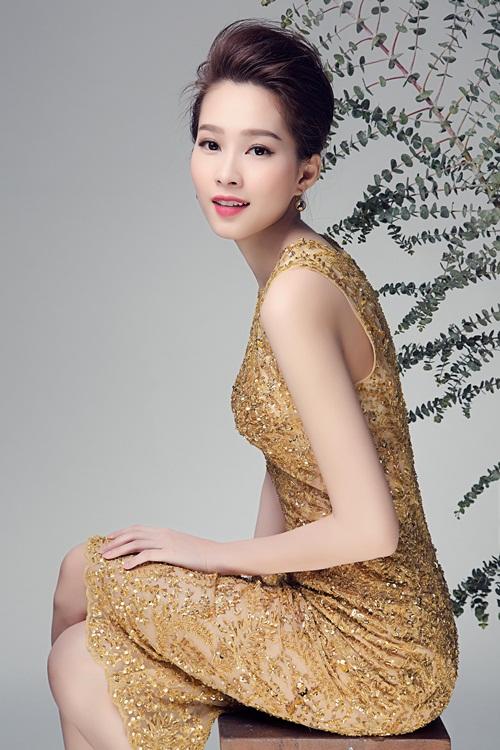 """Hoa hậu Thu Thảo đẹp rạng ngời """"không góc chết"""" - 8"""