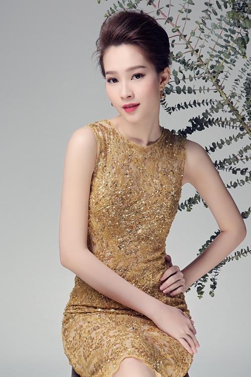 """Hoa hậu Thu Thảo đẹp rạng ngời """"không góc chết"""" - 9"""