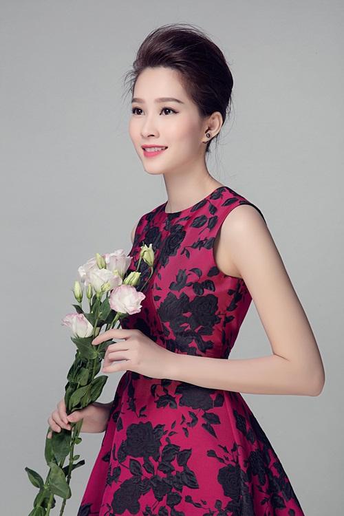 """Hoa hậu Thu Thảo đẹp rạng ngời """"không góc chết"""" - 11"""