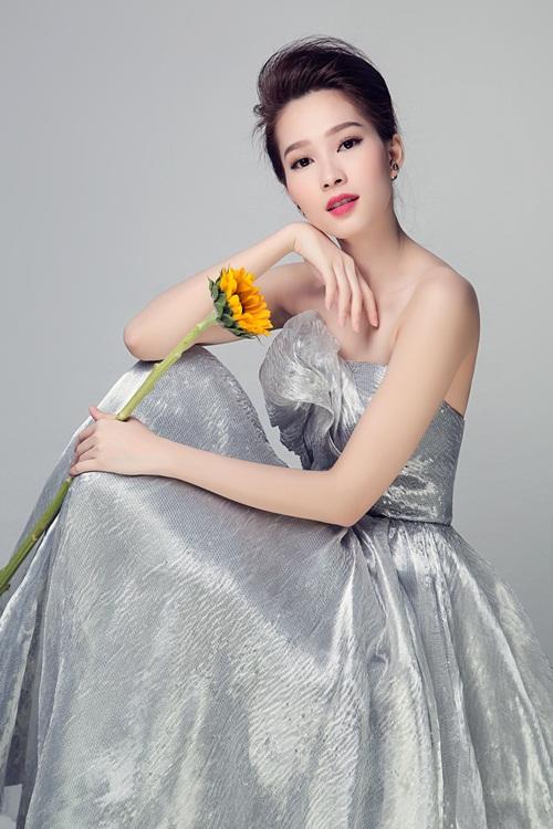"""Hoa hậu Thu Thảo đẹp rạng ngời """"không góc chết"""" - 14"""