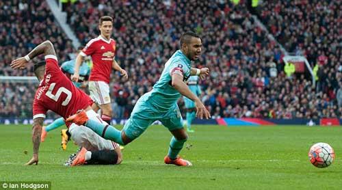 Cầu thủ MU không đủ trình đá chính cho West Ham - 1