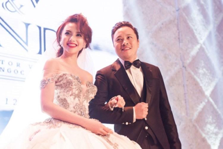 Cận cảnh váy cưới nặng 20kg của Đinh Ngọc Diệp - 3