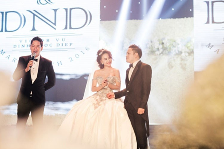 Cận cảnh váy cưới nặng 20kg của Đinh Ngọc Diệp - 4