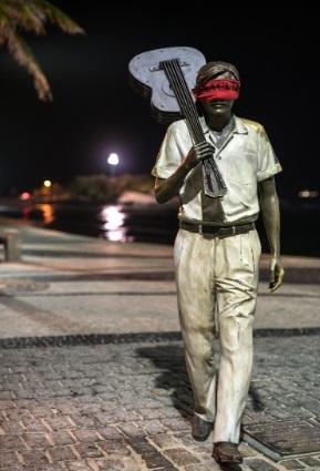 Brazil: Dân bịt mắt tượng đài để phản đối chính quyền - 6