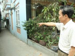 """Tin tức Việt Nam - Lời kể người vác gậy đánh chó Tây, giải cứu """"khổ chủ"""""""