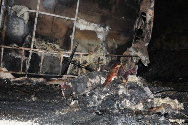 Xe bồn tông xe khách bốc cháy: Ùn tắc gần 20km - 10