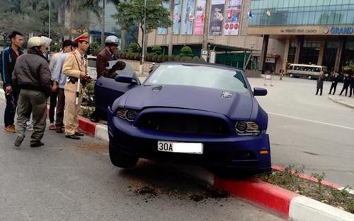 Các siêu xe tiền tỉ từng gặp nạn tại Việt Nam - 4