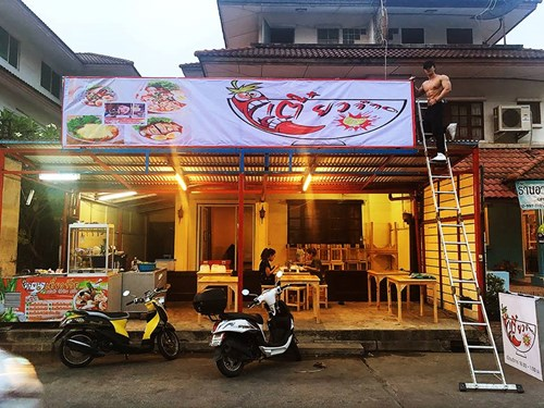 """Hội trai đẹp khoe thân bán mì gây """"sốt"""" ở Thái Lan - 1"""