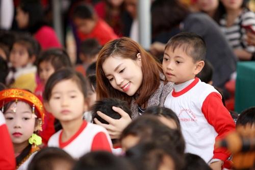 Kỳ Duyên quyên 240 triệu xây phòng học ở Tuyên Quang - 3