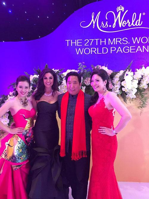 Quý bà Thu Hương đẹp rạng rỡ tại chung kết Mrs World 2015 - 3