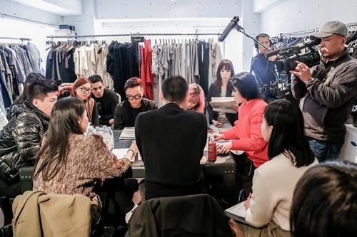 Công Trí tất bật chuẩn bị cho Tokyo Fashion Week - 2