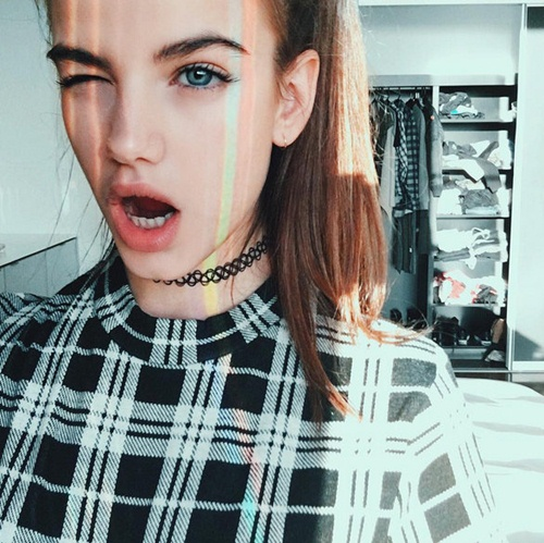 Vài điều về người yêu hot girl của Brooklyn Beckham - 6